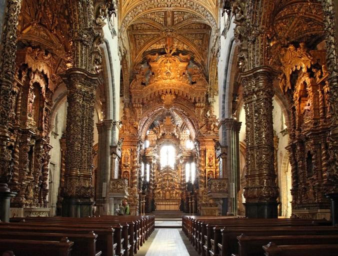 Interior da Igreja de São Francisco. Foto: Sandstein.